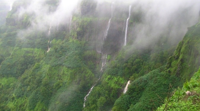Twin Paradises: Mahabaleshwar and Panchgani.