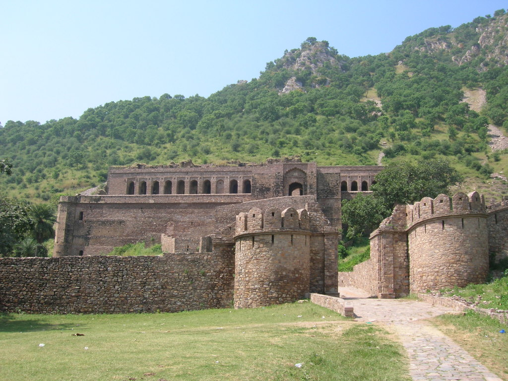 The ___________ is considered to be one of the most haunted places in India. - Bhangarh Fort