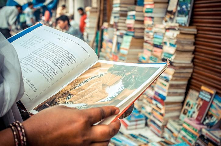 Daryaganj Old book Market- A PARADISE FOR BOOK LOVERS