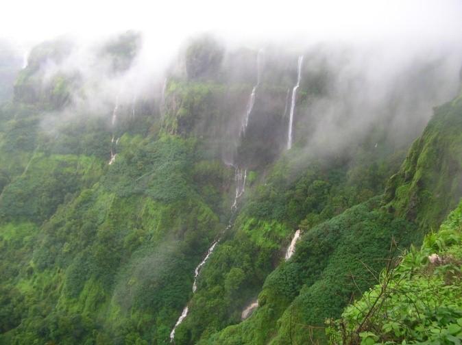 Twin Paradises: Mahabaleshwar and Panchgani.